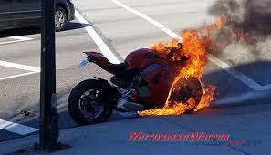 Hot Ducati Panigale V4 recalled after fire - Motorbike Writer